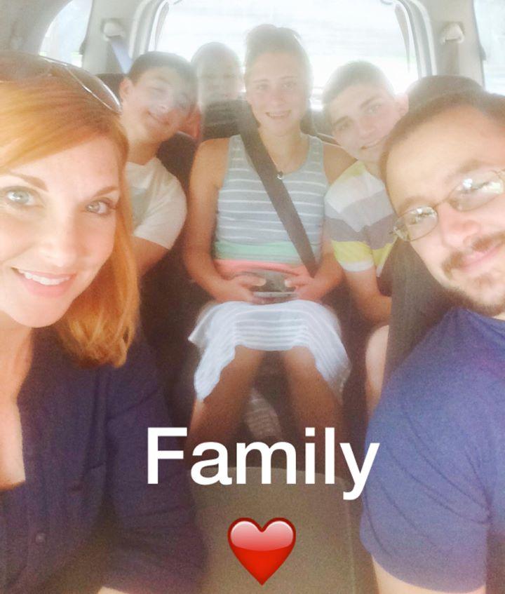 JamieKristinRekuc - family dinner outing