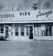 Pias Pizzeria and Lounge