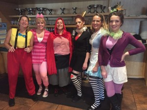 Pias Waitresses